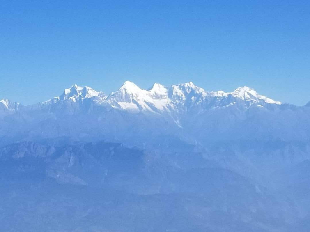 Volunteer Tourism Himalayas mountains covered in snow in Nepal