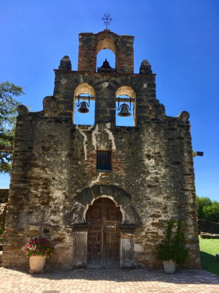 Tips for visiting San Antonio Missions shared by top US travel blog, The Common Traveler: San Antonio's Missions old church facade at Church Espada