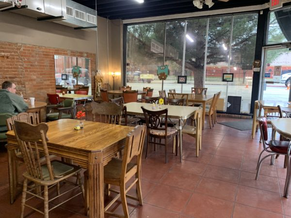Wichita Falls Texas Itinerary featured by top travel blog, The Common Traveler: Mixed tables and chair sets inside Gidget's Restaurant in Wichita Falls, Texas.
