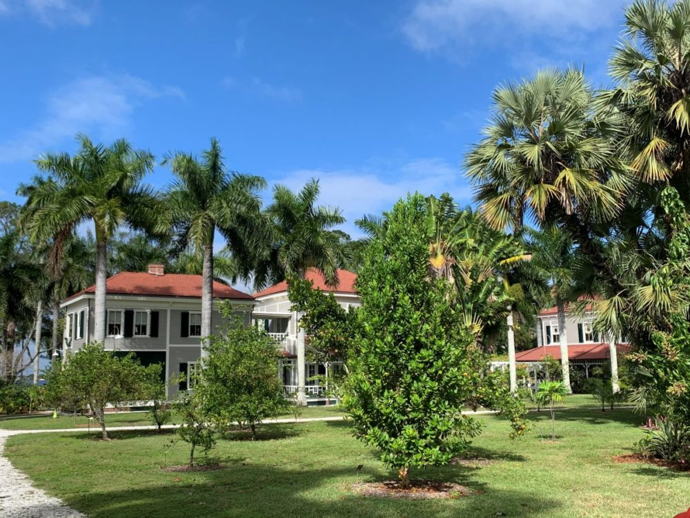 Best things to do in Fort Myers, Florida featured by top US travel blog, The Common Traveler: image of   white buildings in tropical setting - Edison and Ford Winter Estates in best things to do in Fort Myers, Florida