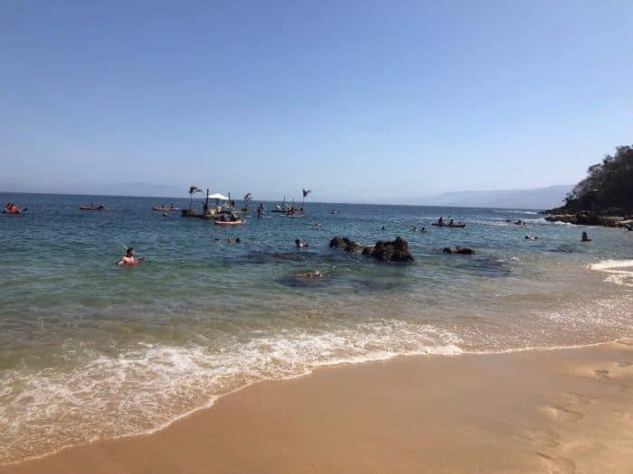 16 BEST PLACES TO VISIT IN MEXICO featured by top travel blog, The Common Traveler: image of beach at Puerto Vallarta, Mexico