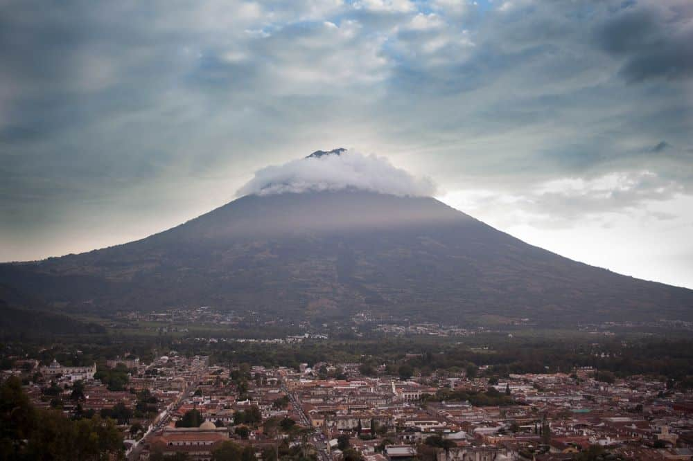 BEST COFFEE PLACES IN THE WORLD: TOP 6 PLACES TO VISIT FOR THE COFFEE LOVER featured by top travel blogger, The Common Traveler Antigua Guatemala