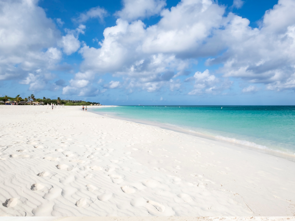 white sand beach in Aruba