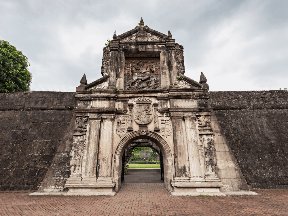 8 BEST THINGS TO DO IN MANILA Philippines featured by top travel blogger, The Common Traveler. Image: Fort Santiago in Manila