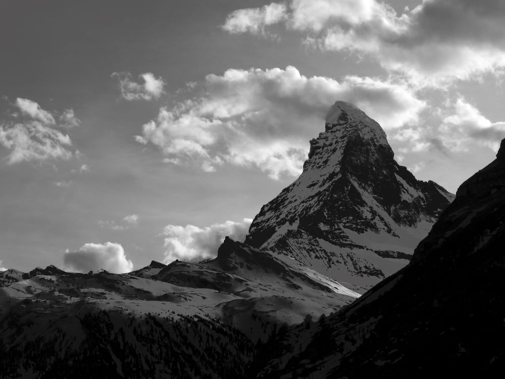 TOP 6 BEST SIGHTS IN SWITZERLAND TO SEE IN 48 HOURS featured by top travel blogger, The Common Traveler: image of Matterhorn