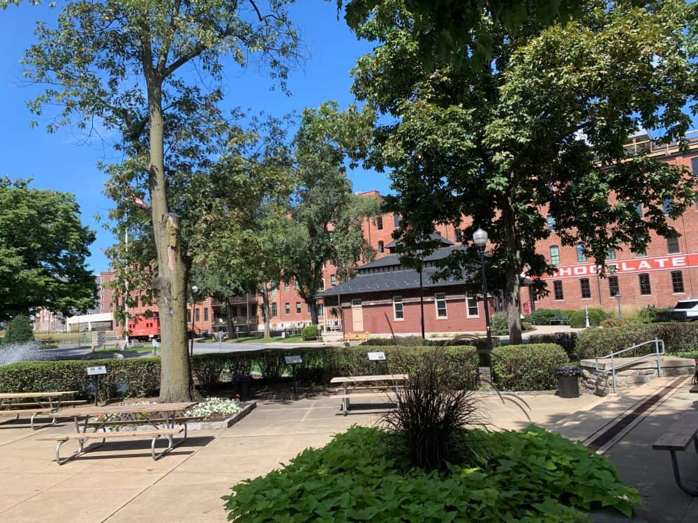 THE BEST THINGS TO DO IN LITITZ PA featured by top US travel blogger, The Common Traveler: image of Lititz Springs Park in Lititz PA