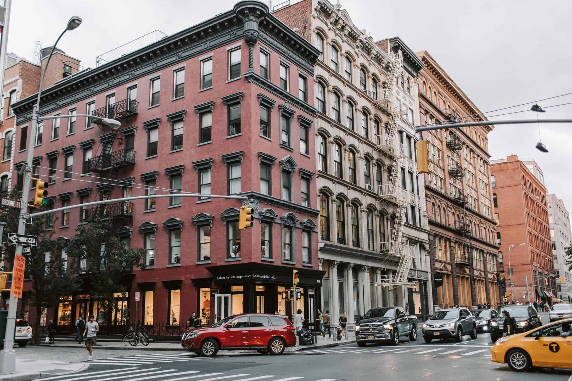 5 TOP PLACES TO VISIT IN NEW YORK CITY AT LEAST ONCE  featured by top US travel blogger, The Common Traveler: image of Soho