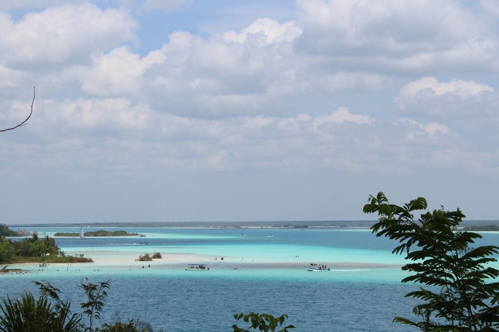Mexico's Pueblos Magicos Worth Visiting by The Common Traveler: Image of Bacalar Lagoon |Pueblos Magicos Mexico by popular US international blog, The Common Traveler: image of Bacalar, Quintana Roo.