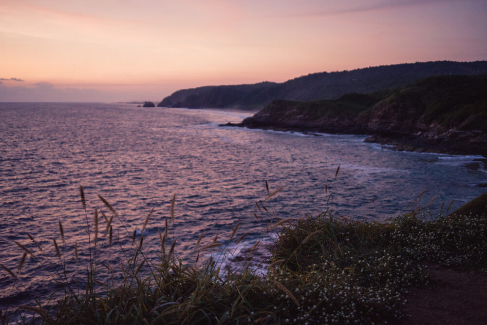 Mexico's Pueblos Magicos Worth Visiting by The Common Traveler: Image of coastline at sunset in Mazunte |Pueblos Magicos Mexico by popular US international blog, The Common Traveler: image of Mazunte, Oxaca.