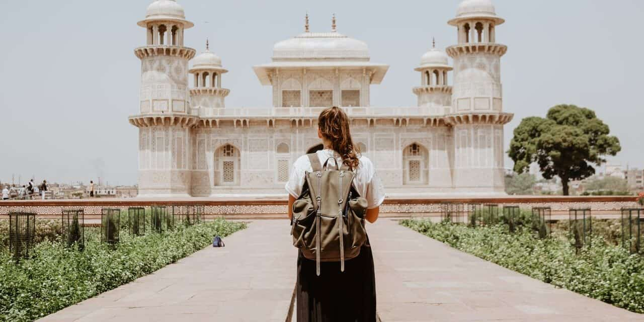 Tips for Staying Safe When Traveling Alone